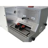 Plne elektronický EcoCut 3300 je vďaka konštrukčnému riešeniu jednoducho obsluhovateľný.